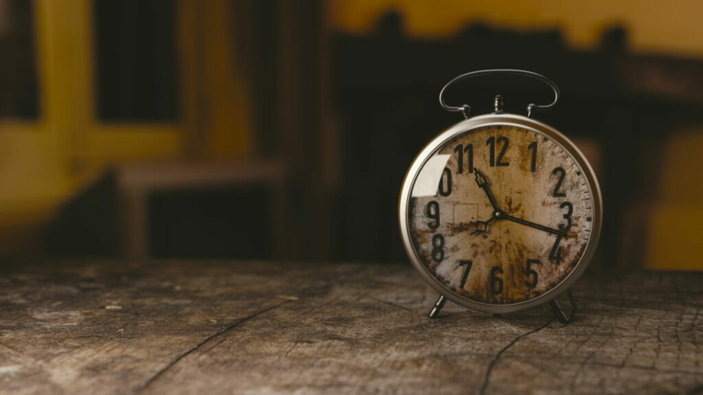 keep to a sleep schedule